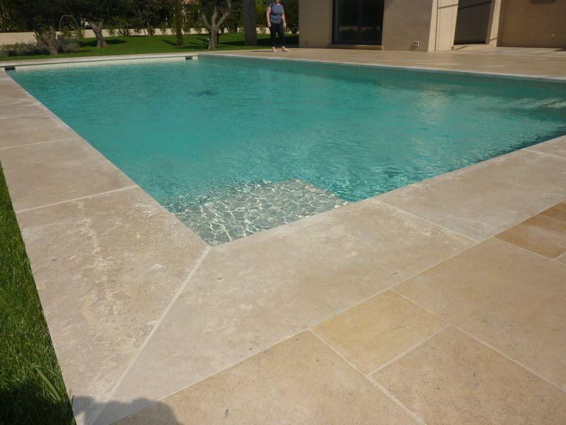 Les pierres en margelle de piscine Acheter carrelage