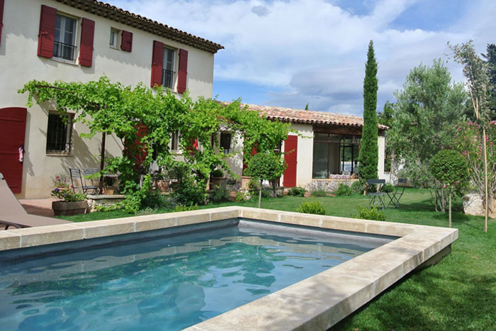 Margelles de piscine en pierre de Bourgogne Le ptoir