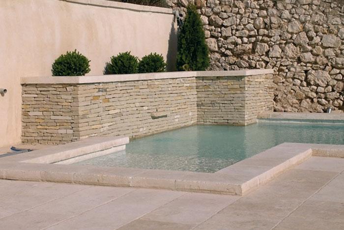 Margelles piscine pierre naturelle de Bourgogne