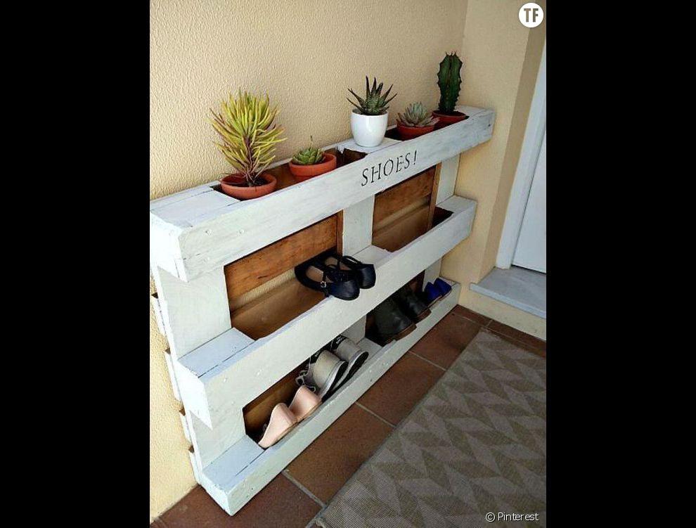 Récupération une palette transformée en meuble à