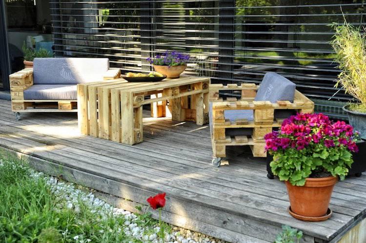 Fabriquer salon de jardin en palette de bois – 35 idées