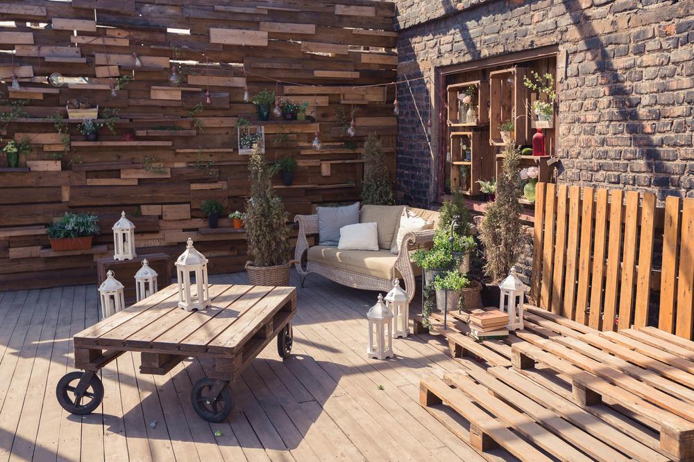 Concevez vos meubles extérieurs en bois de palette