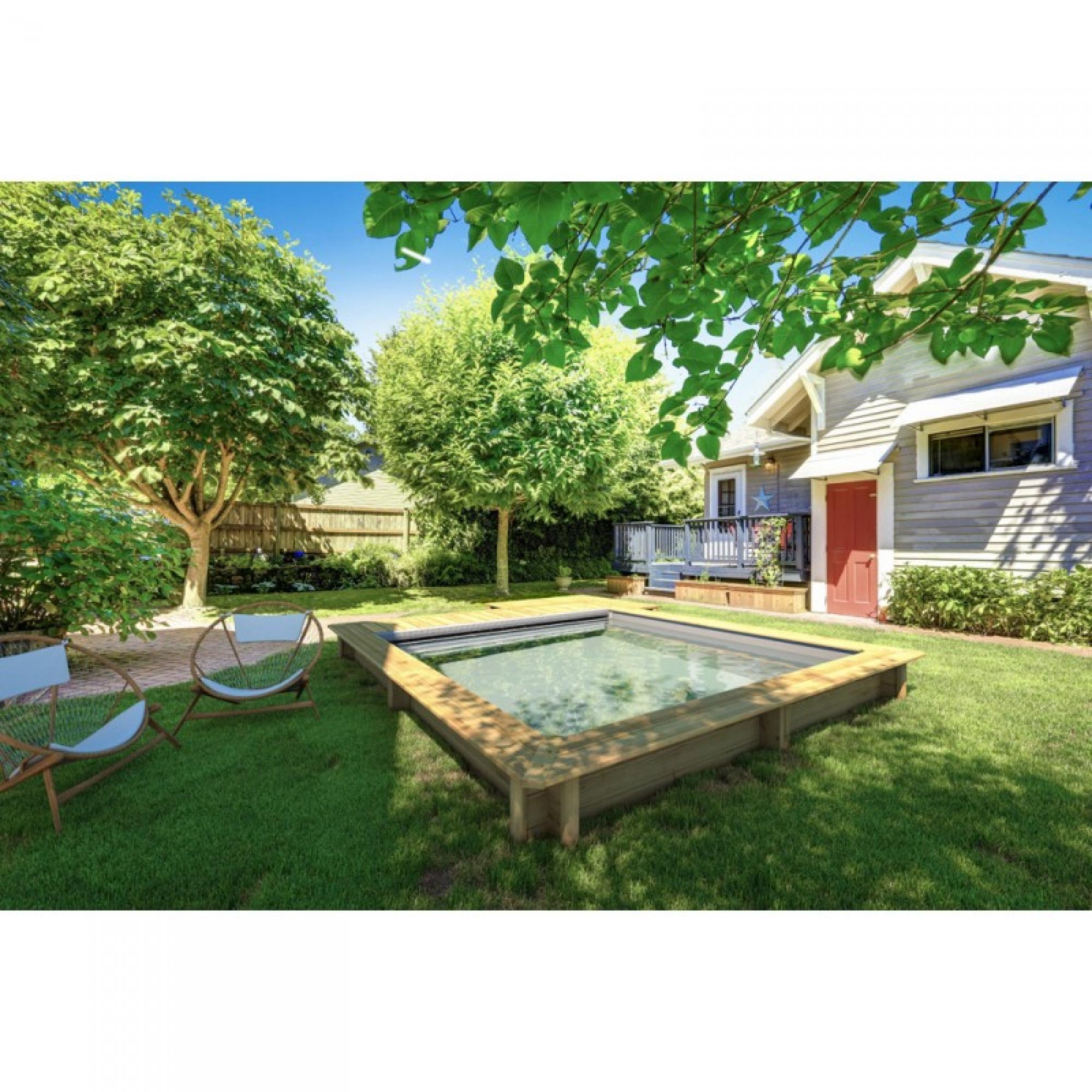 La mini piscine la plus urbaine des piscines Aquamag