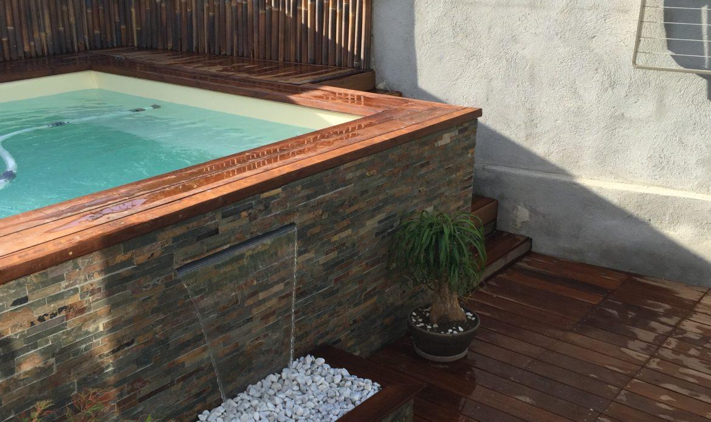 Les mini piscines en bois hors sol