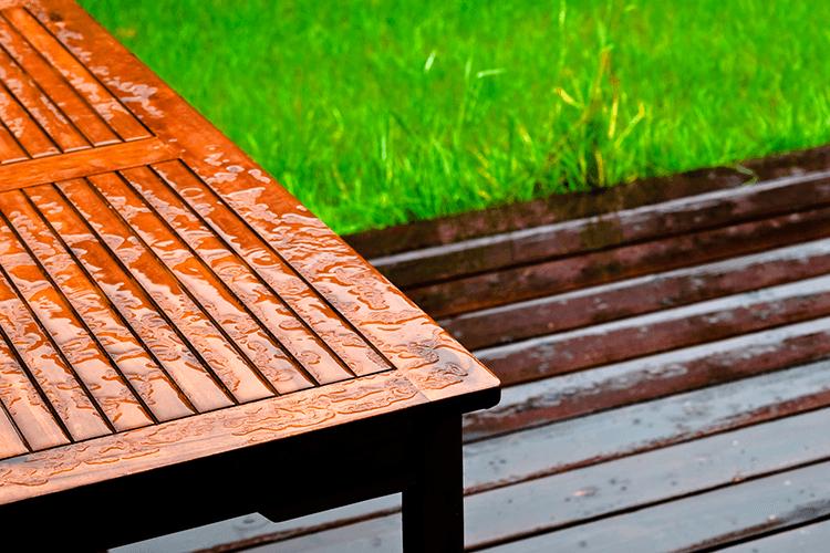 Huile très longue protection pour mobilier de jardin en