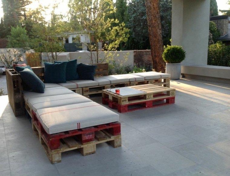 Fabriquez votre salon de jardin grâce à la palette bois