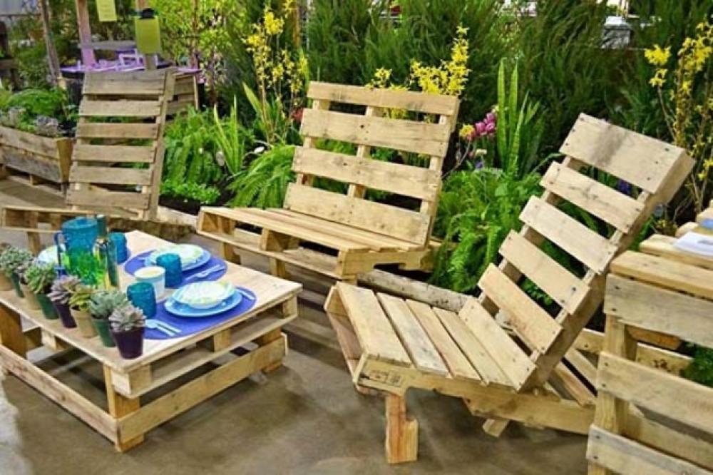 Les palettes en tant que mobilier de jardin créatif