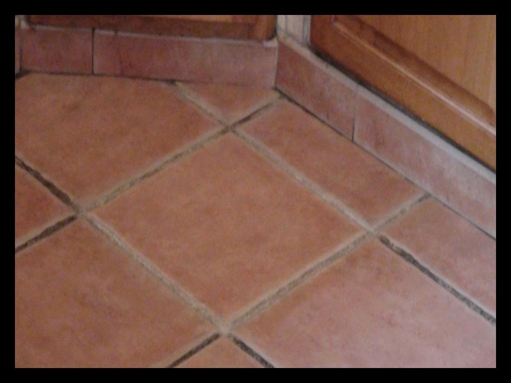 Nettoyer Joint De Carrelage nettoyer joints carrelage sol nettoyage facile des joints du
