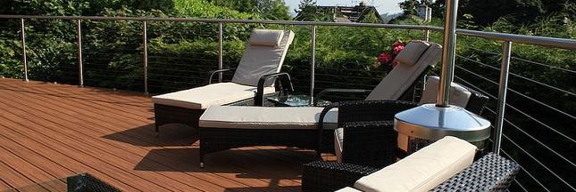 Nettoyer sa terrasse en carrelage naturellement