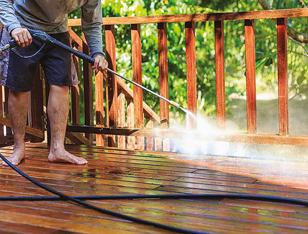 Nettoyer une terrasse en bois Bricolage Hine