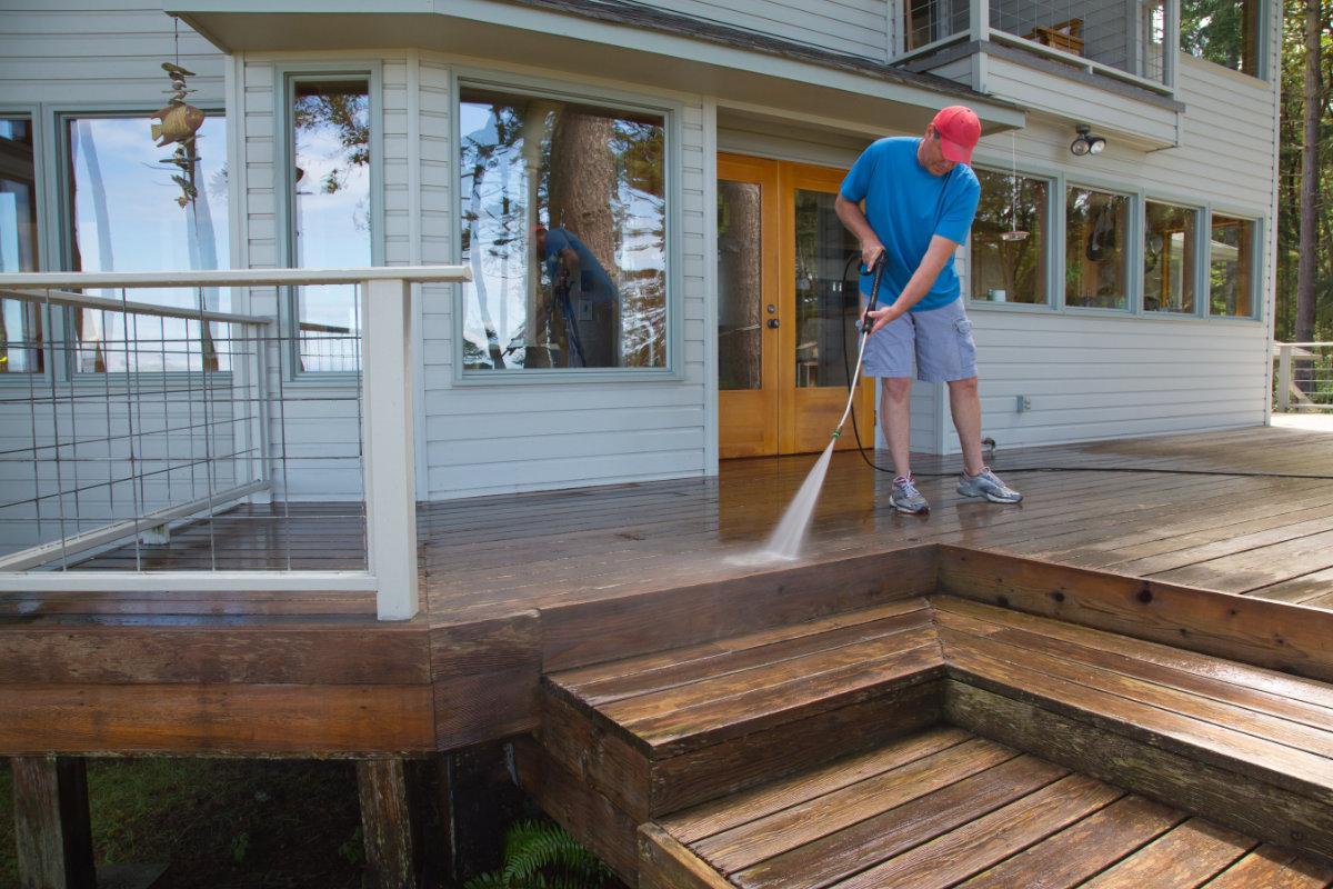 Nettoyer une terrasse en bois Méthodes et conseils