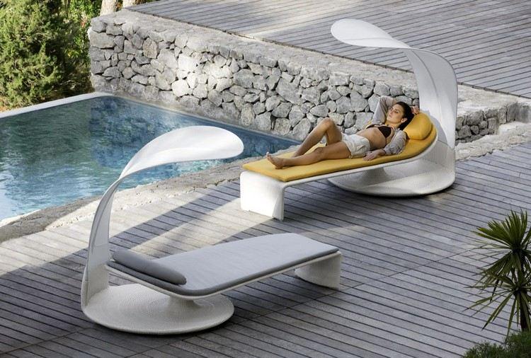 Mobilier piscine et objets déco pour créer un coin de repos