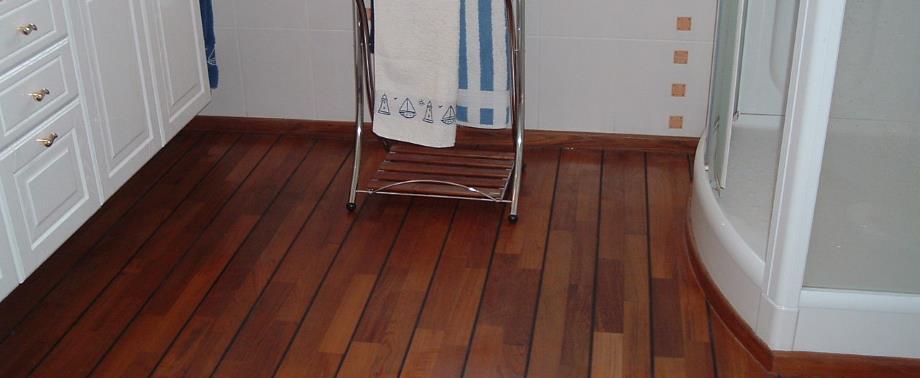 Un parquet dans ma salle de bain
