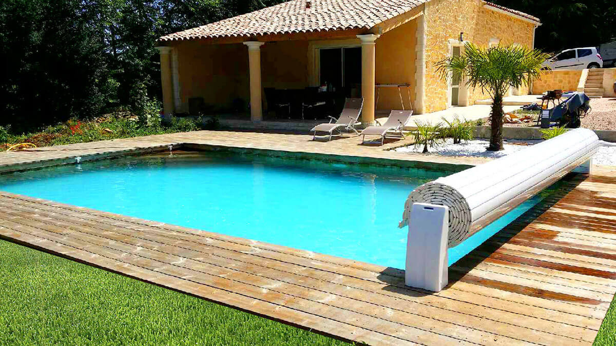 Nouvelle tendance déco maison La piscine enterrée en bois