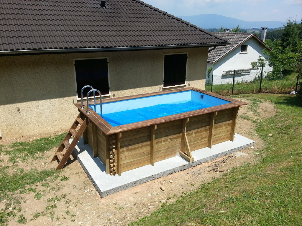 Piscine hors sol en bois rectangulaire aspirateur piscine