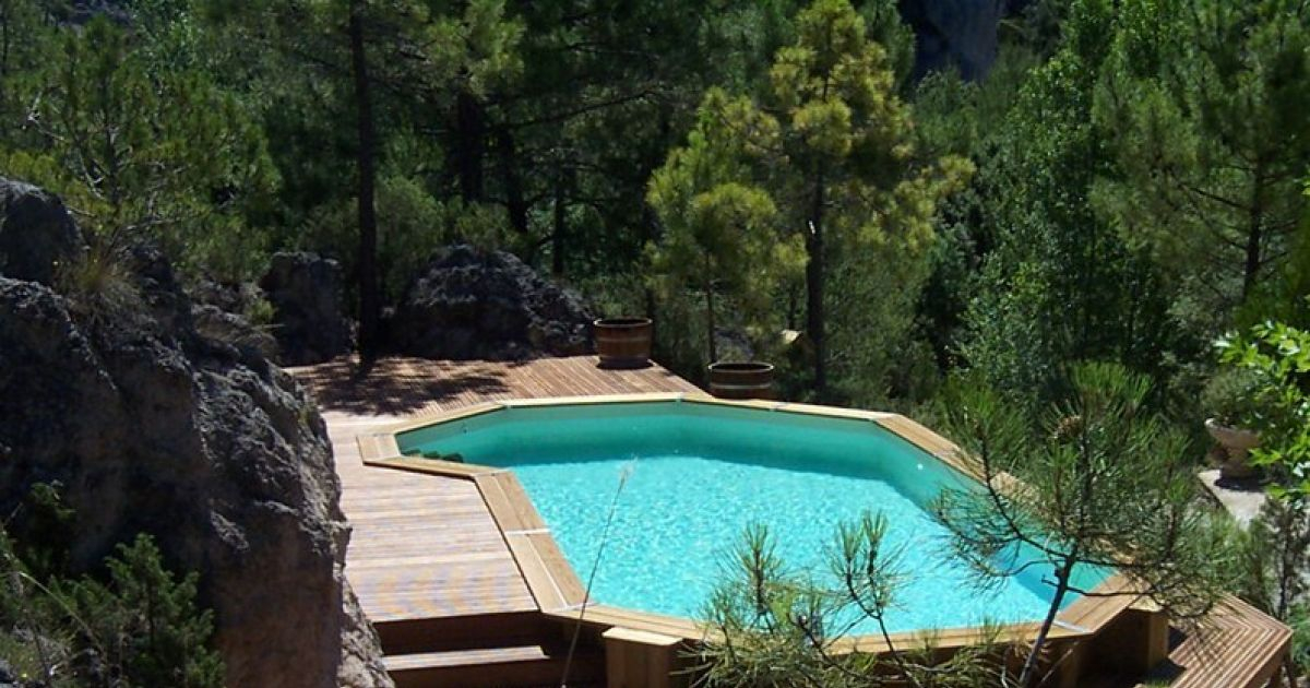 La piscine en bois semi enterrée Guide Piscine