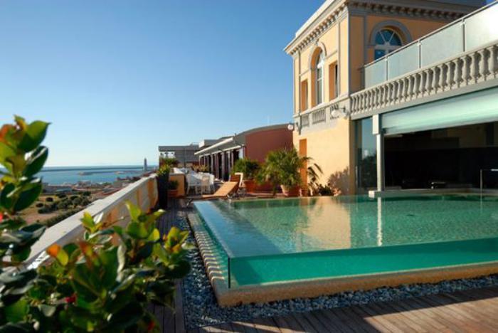 La piscine en verre en 43 photos Archzine