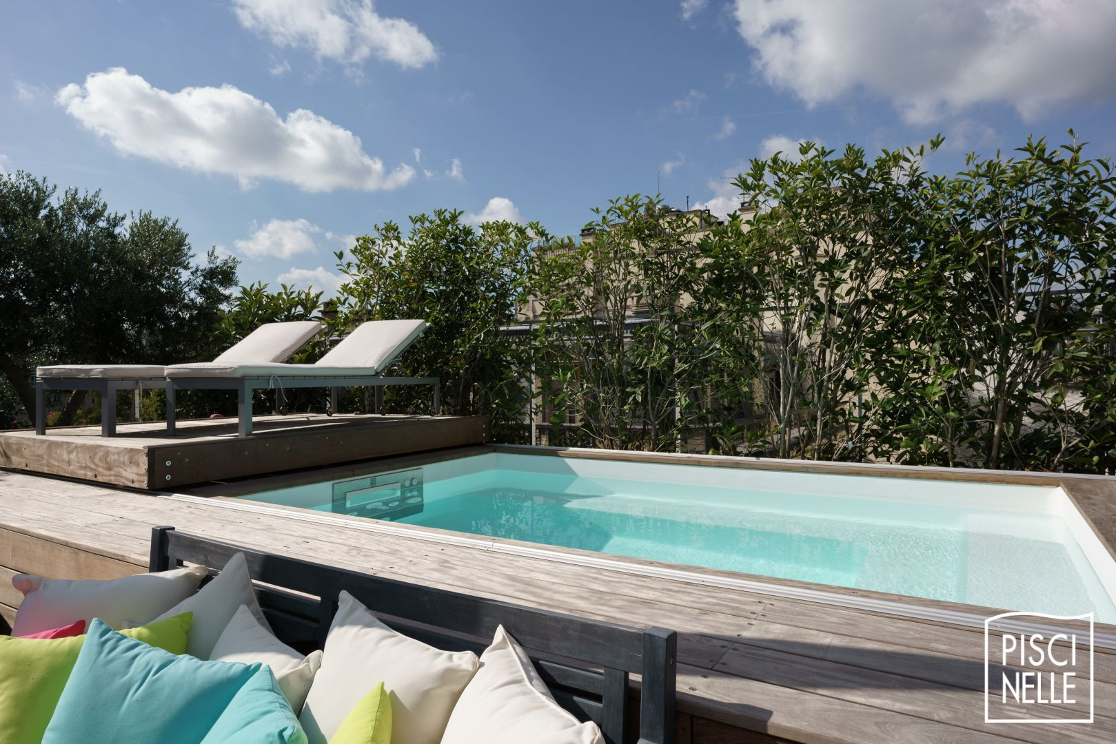 Une piscine sur un toit terrasse à Paris Piscinelle