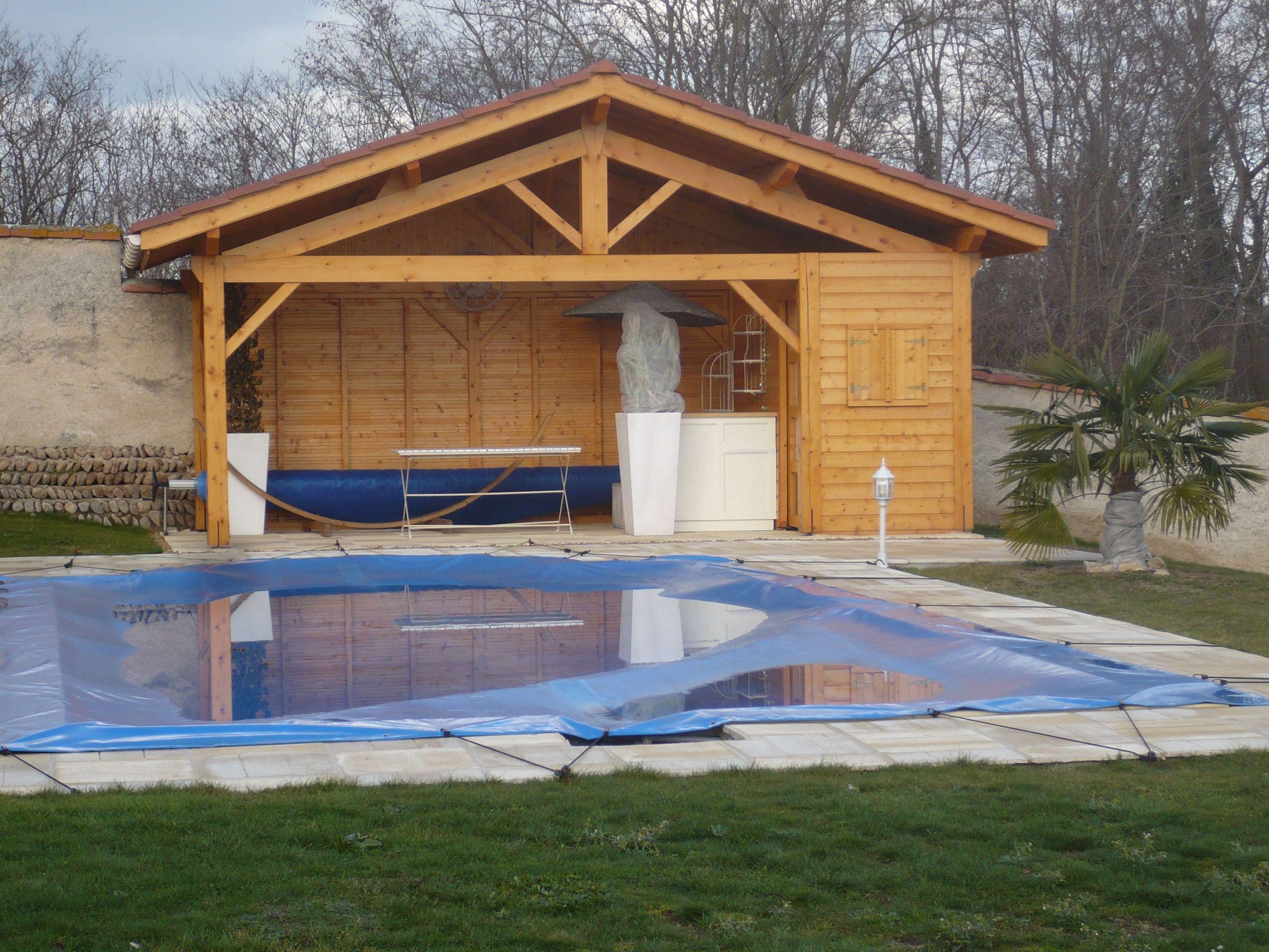 Et si vous vous faisiez construire un pool house en bois