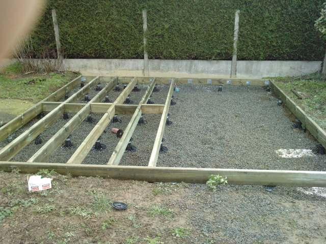 Terrasse posite sur plots à verin sans dalle béton