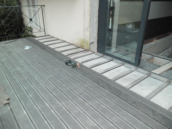 Terrasse sur poteaux et poutres