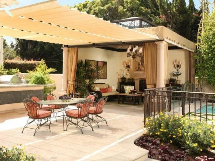 Protection solaire pergola auvent en bois et voile d