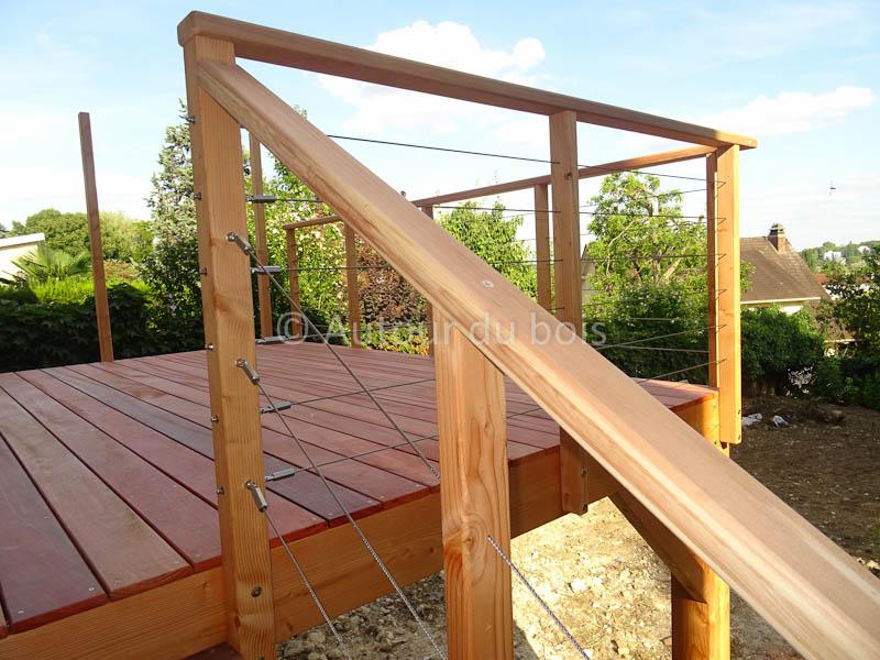 Garde corps bois et inox pour terrasse bois suspendue