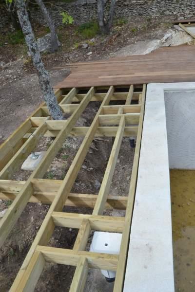 Fabrication et pose d un deck de piscine Bonnieux