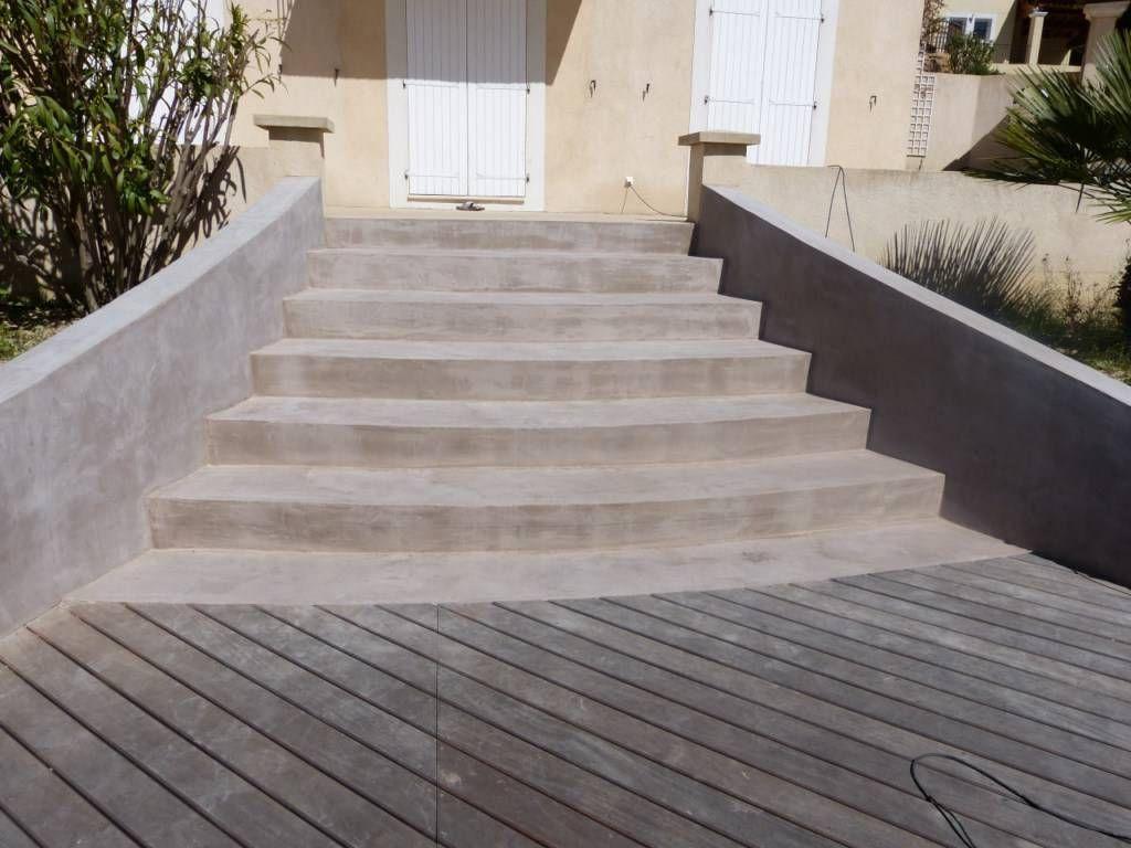 Réalisation d un revêtement béton ciré sur un escalier
