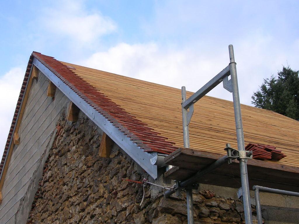 Refaire Un Toit D Abri De Jardin refaire une toiture ment refaire une toiture de la toiture