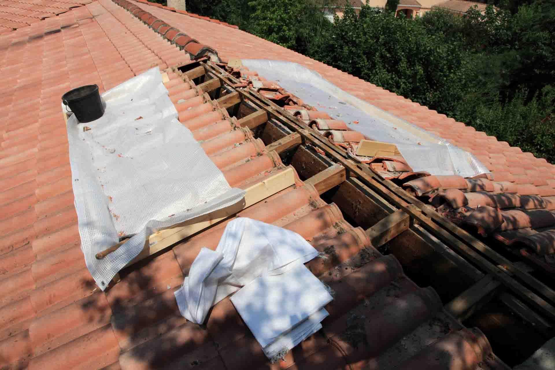 Refaire Un Toit D Abri De Jardin refaire une toiture refaire une faîtière de toiture avec la