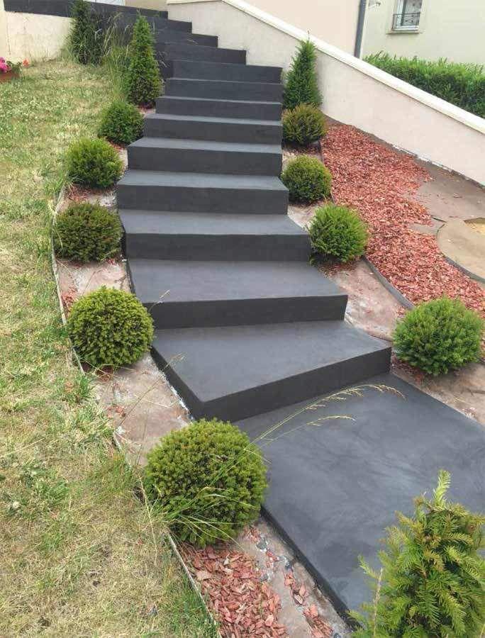 Sublimez vos escaliers extérieurs avec le béton ciré en