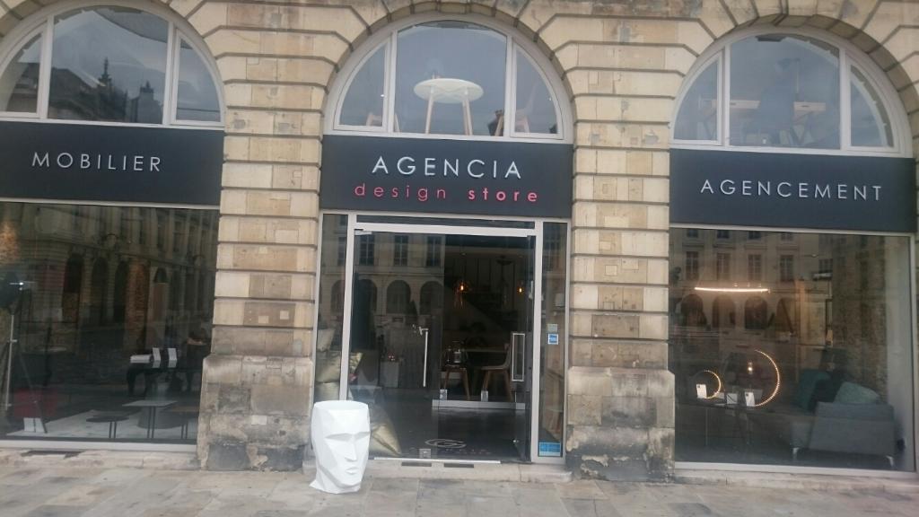 Agencia Magasin de meubles 7 place Royale Reims