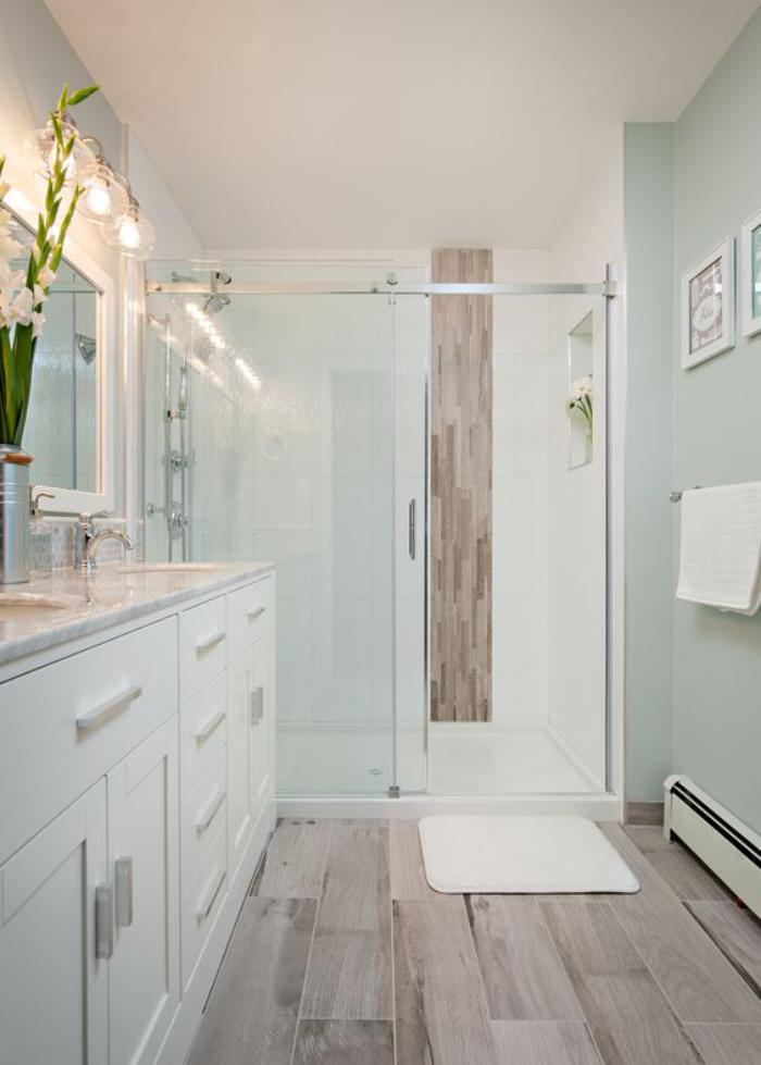 Carrelage imitation parquet blanc salle de bain Idée de