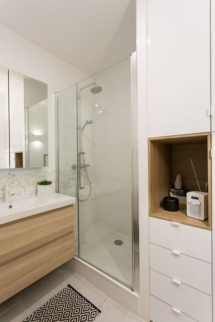 Salle de bain bois et blanc Côté Maison