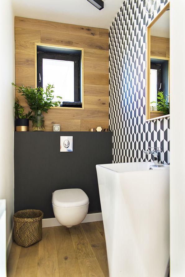 Petite salle de bains déco avec bois peinture foncée et
