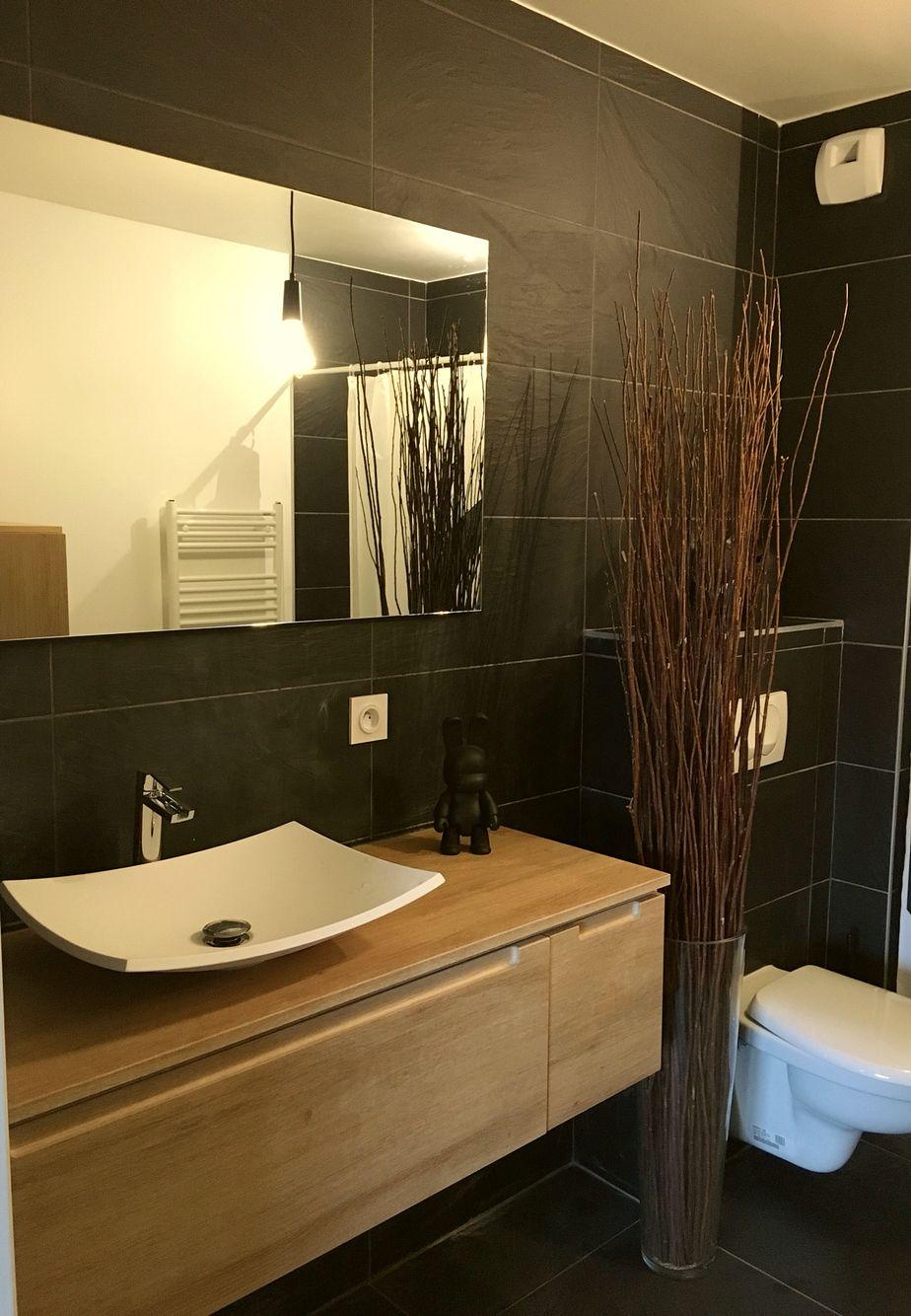 Salle de bain noir ardoise bois