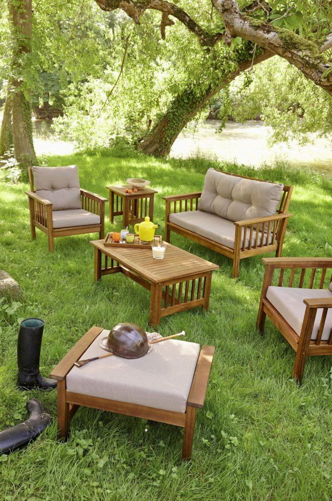Renover un salon de jardin en bois exotique Cabanes abri