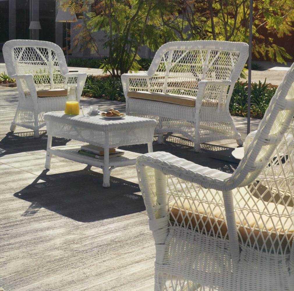 Salon de jardin en osier blanc Abri de jardin et