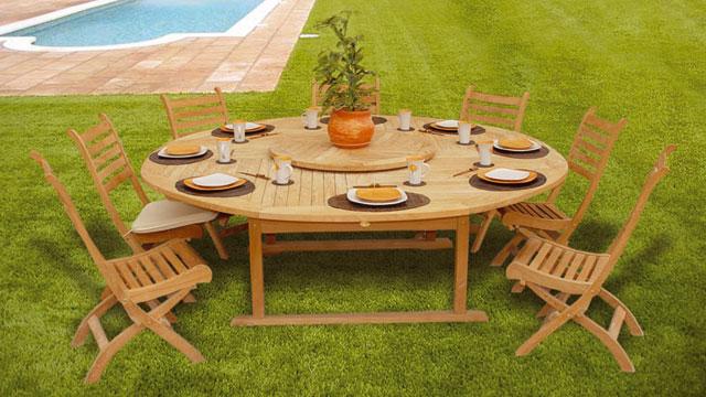Salon de jardin en teck avec table ronde Abri de jardin