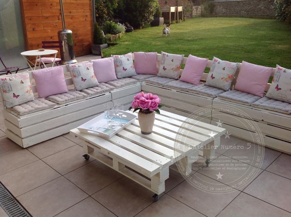 Salon de jardin réalisé avec des palettes Meubles et