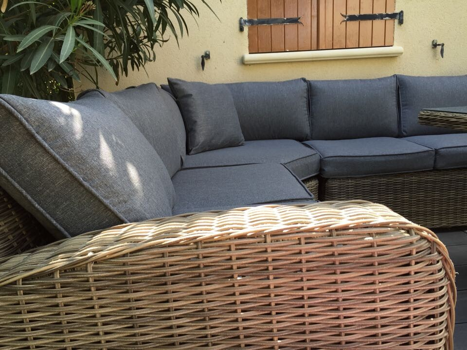 Grand canap de jardin en rsine tresse ronde Osier Salon