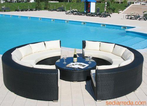 Salon de jardin en rond table de jardin ronde avec