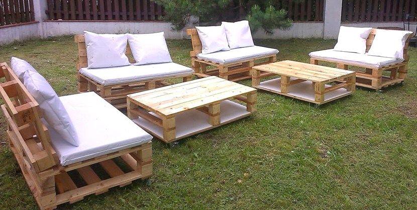 20 modèles de salons de jardin fabriqués en bois de