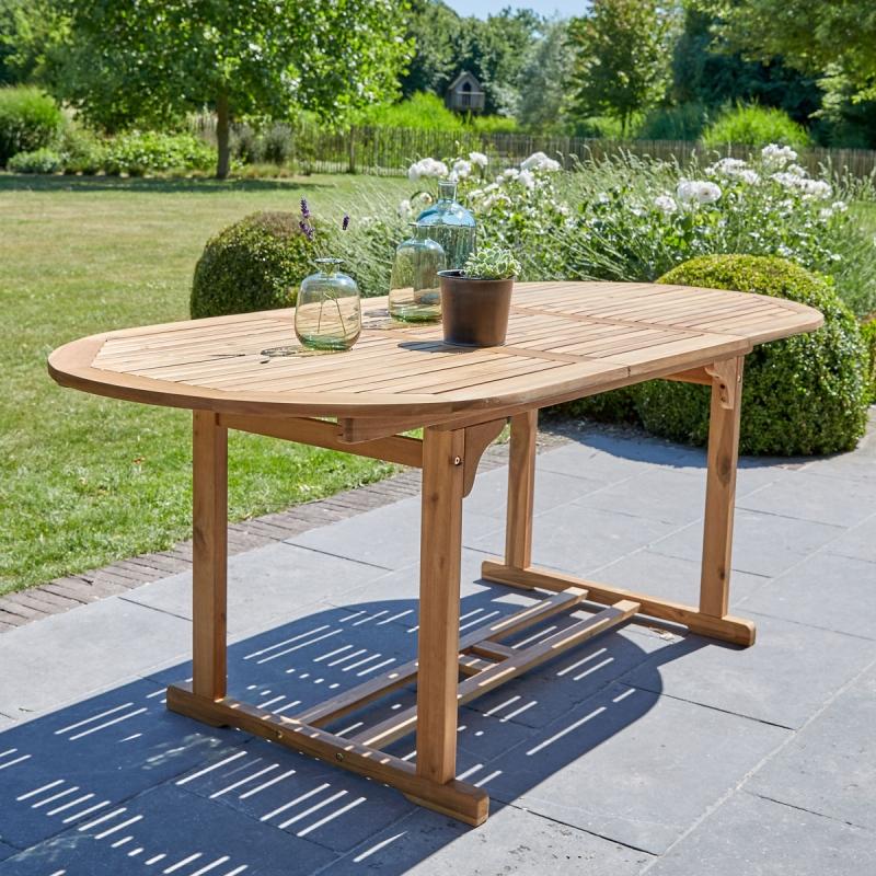 Salon de jardin ovale en bois d acacia FSC extensible 4