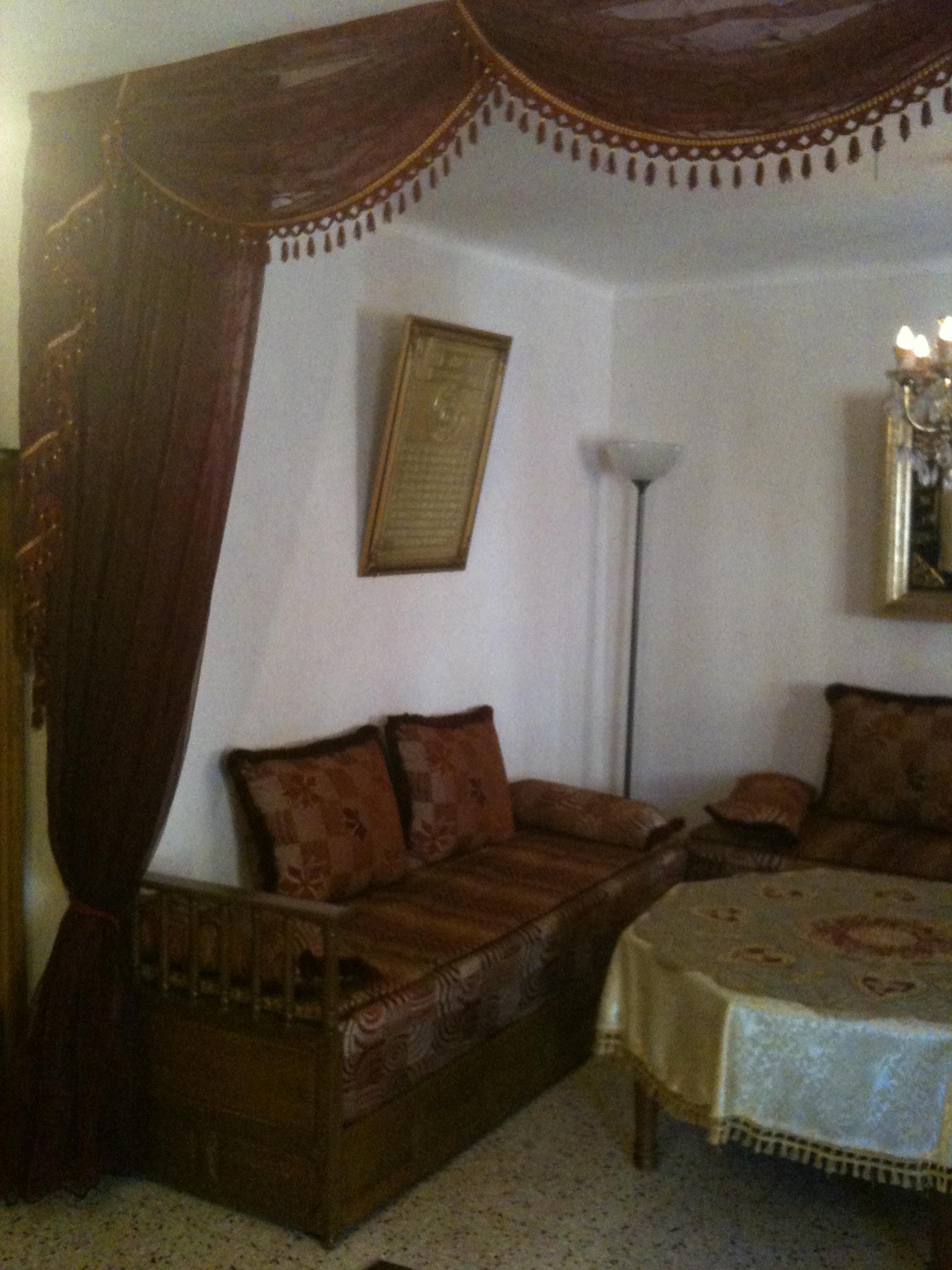 Salon marocain en très bon état Hérault 34