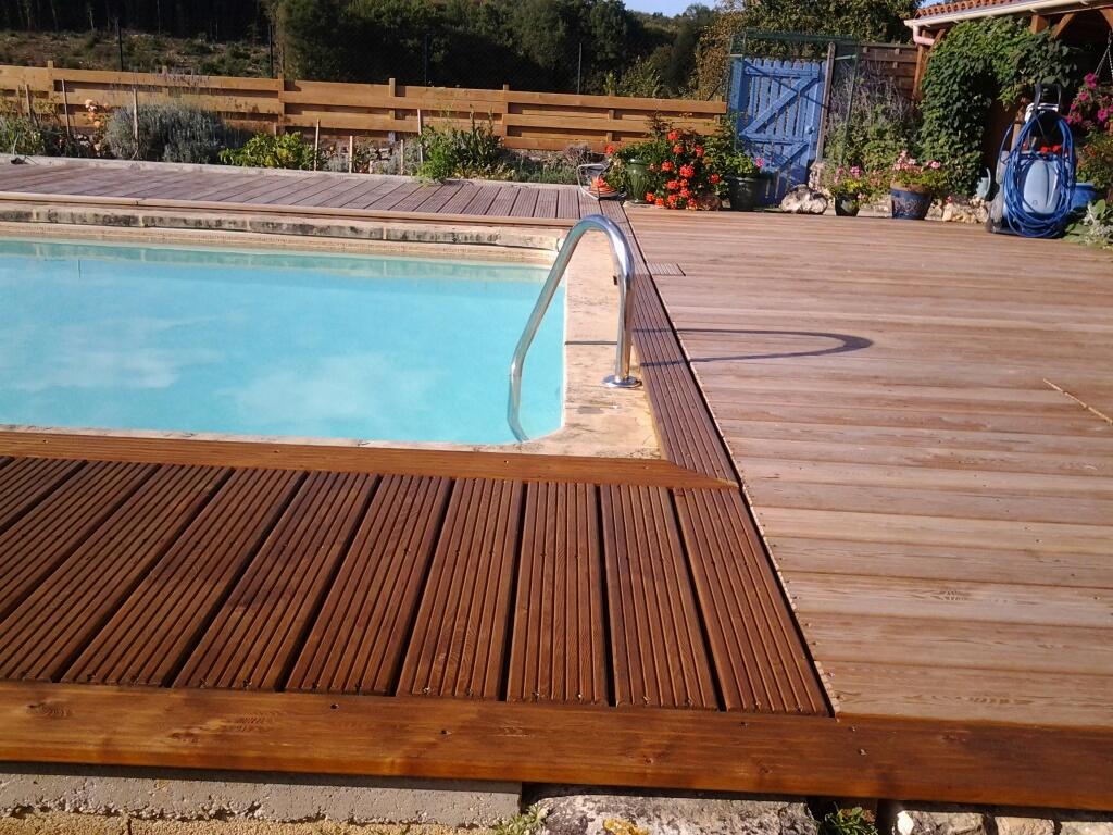 terrasse en bois avec saturateur Entretien du bois le