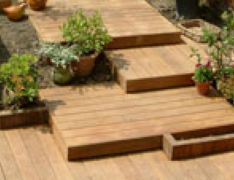Terrasse bois une construction tout terrain Solutions