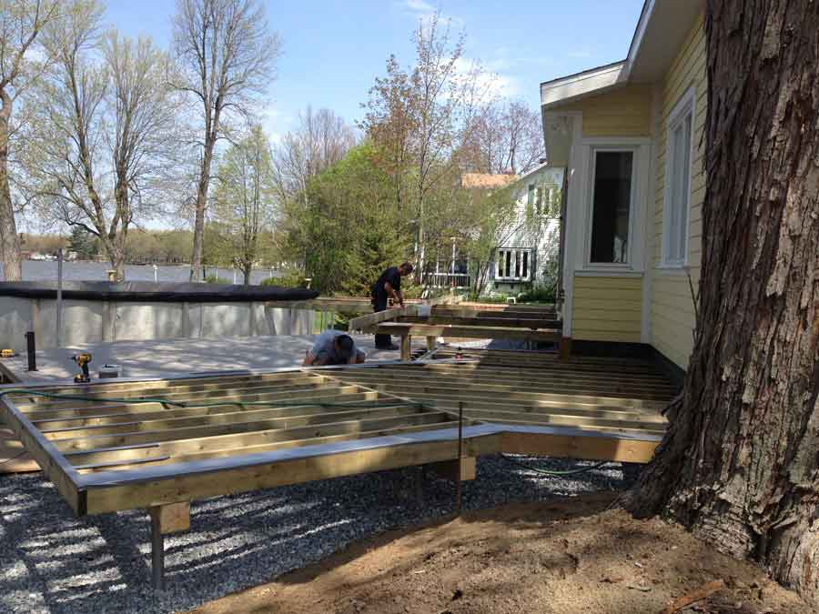 Trucs et astuces pour terrasses ou patios en bois et