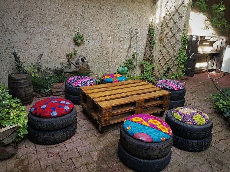 mobilier de jardin pas cher palette bois table basse pneus